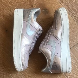 Nike Air Force 1 Particle Pink Rose Silver Sneaker